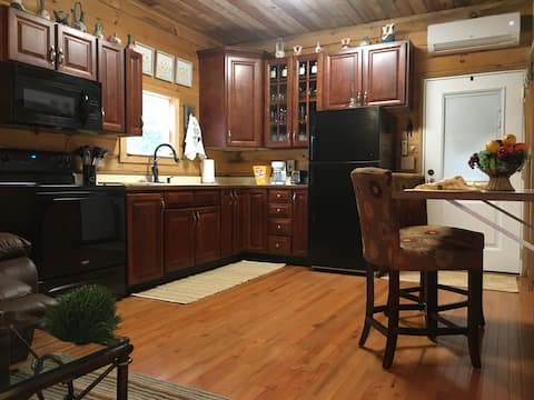 All New-Lil Honey Bear Inn Upscale Convenient Loc