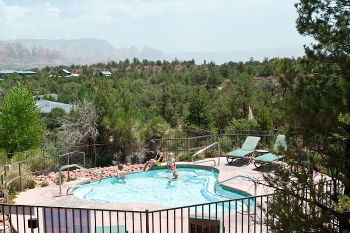 Popular Sedona resort 2BDR. Great amenities.