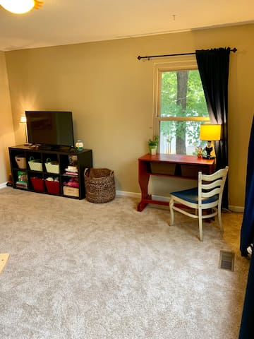 Den/playroom - great space for kids or extra sleeping