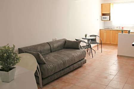 Family studio in Happy GuestHouse - Eilat