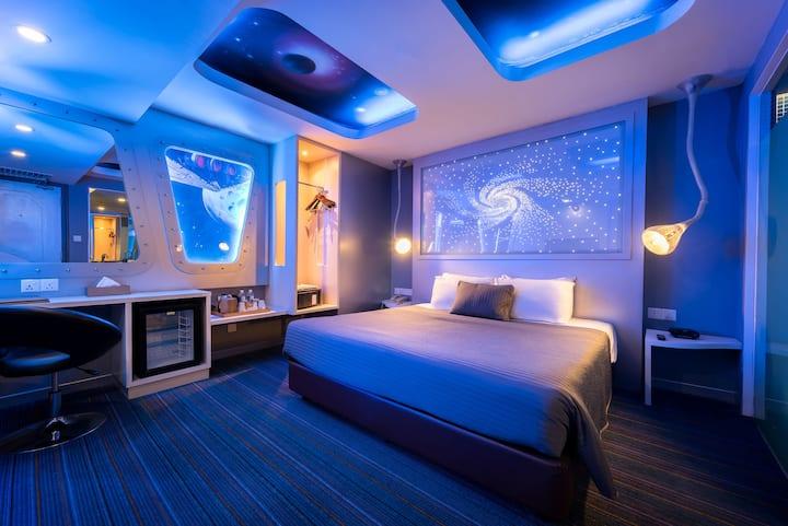 Theme room : Travel to the future