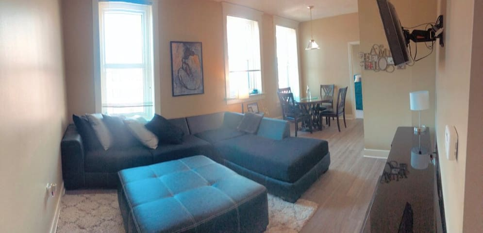 Central 2BR/2BA located in Downtown Memphis!