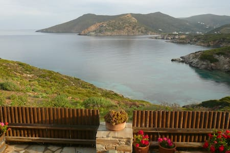 Studio with panoramic sea view&private beach