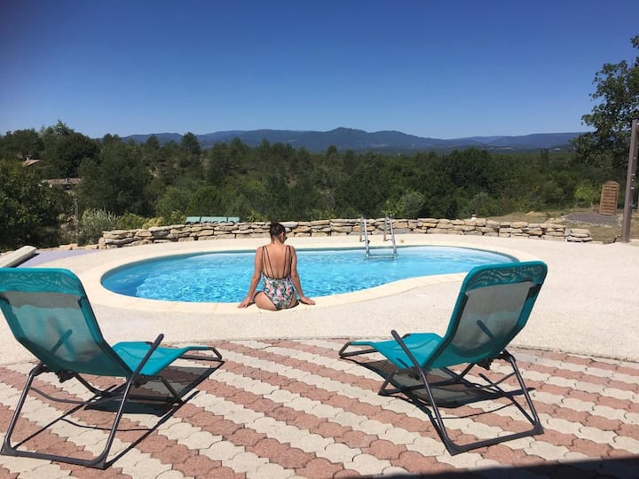 Grospierres: maison avec piscine et magnifique vue