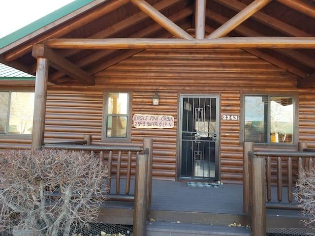 Comfy Eagle Pine Cabin