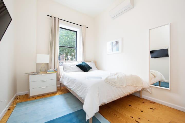 Gorgeous Bedroom in the heart of Bushwick