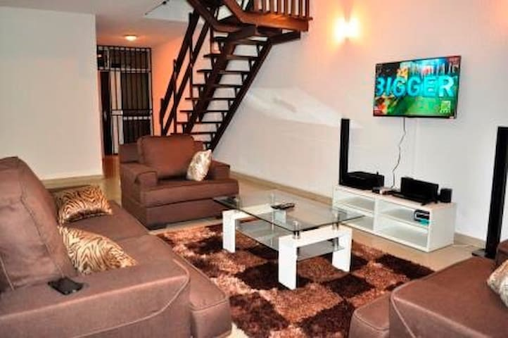 3 bedroom maisonette 1004 estate - Lagos - Appartement