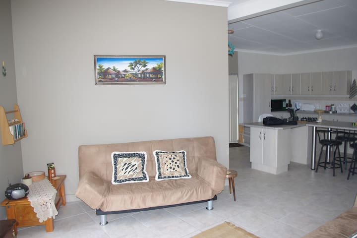 The Third Dolphin SelfCatering Flat - Herolds Bay - Apartemen