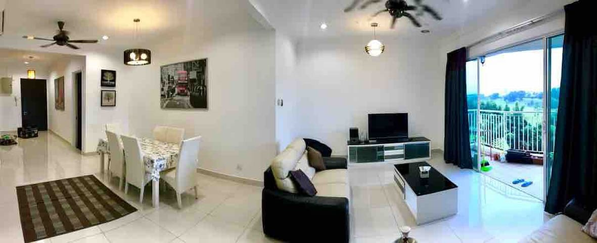 Medium room+private bath @Olives Residence+WIFI