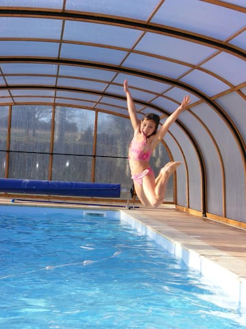 Ty tan, gîte avec piscine chauffée, spa et sauna - Longaulnay - Huis