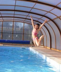 Ty tan, gîte avec piscine chauffée, spa et sauna - Longaulnay
