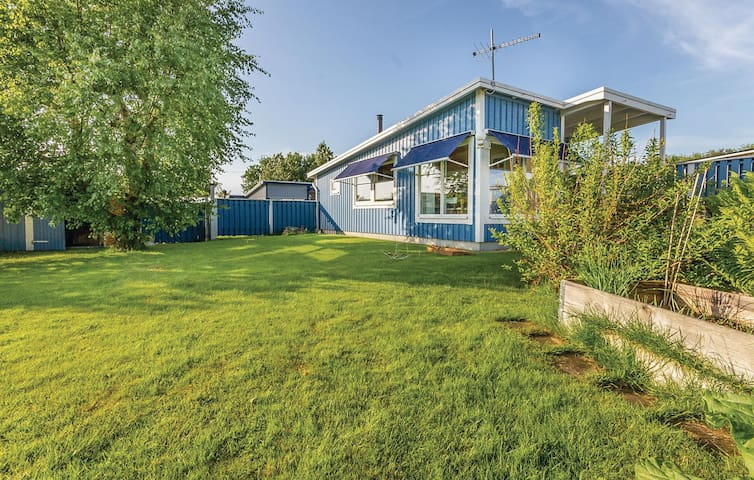 Holiday cottage with 3 bedrooms on 50m² in Falkenberg