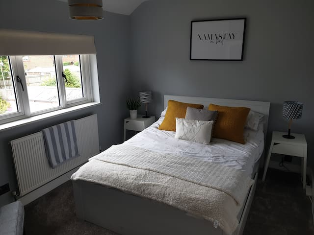 Fresh & friendly home in the heart of Camberley