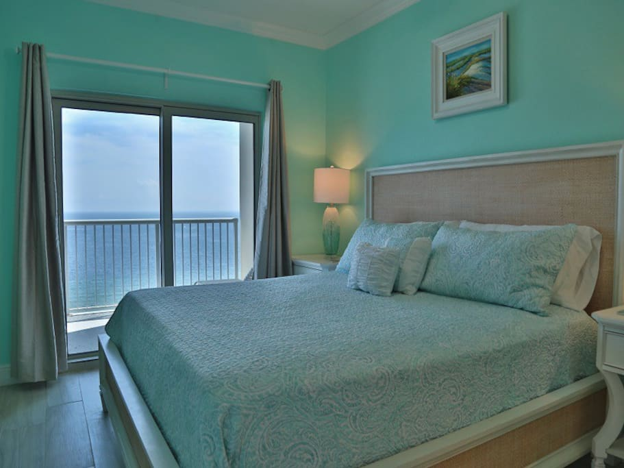 Crystal Tower 1602 - Master  bedroom with King bed and access to balcony