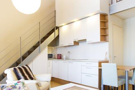 Sunny, modern and cosy studio