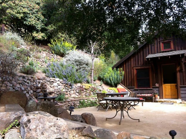 750 sf private Guesthouse with loft - Orinda - Talo