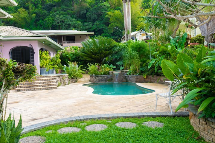 Tropical Haven - 2 bedroom apartment in Maraval
