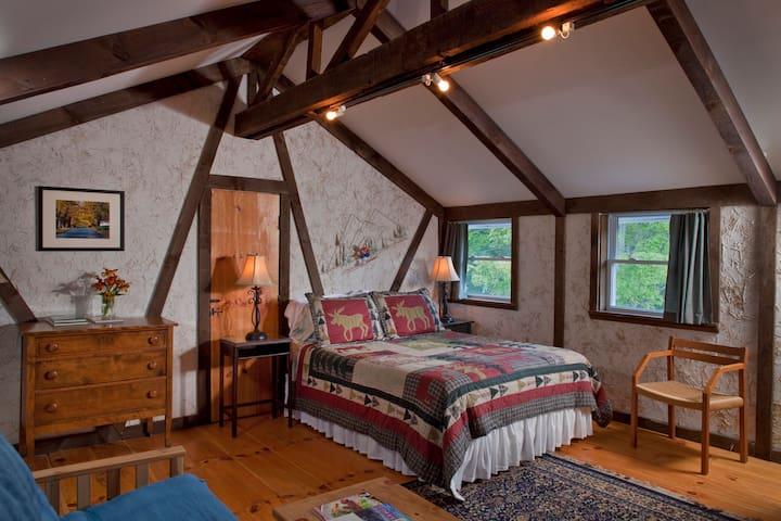 Spacious Logan Premier Suite @ West Hill House B&B - Warren - Bed & Breakfast