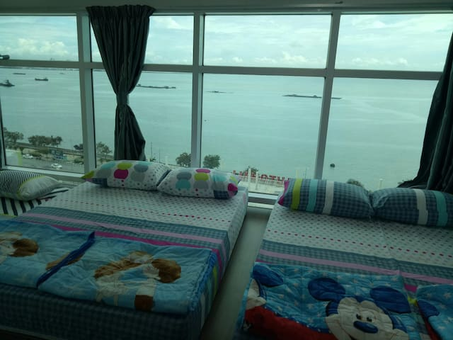 3rd bedroom with full seaview