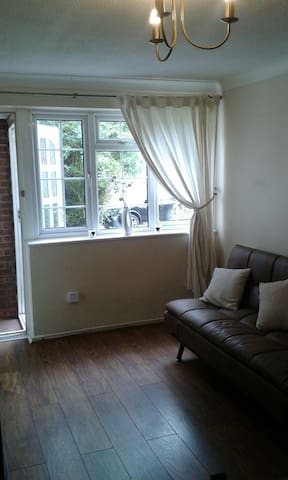 Furnished Self-contained Apartment in LICHFIELD - Lichfield - Daire