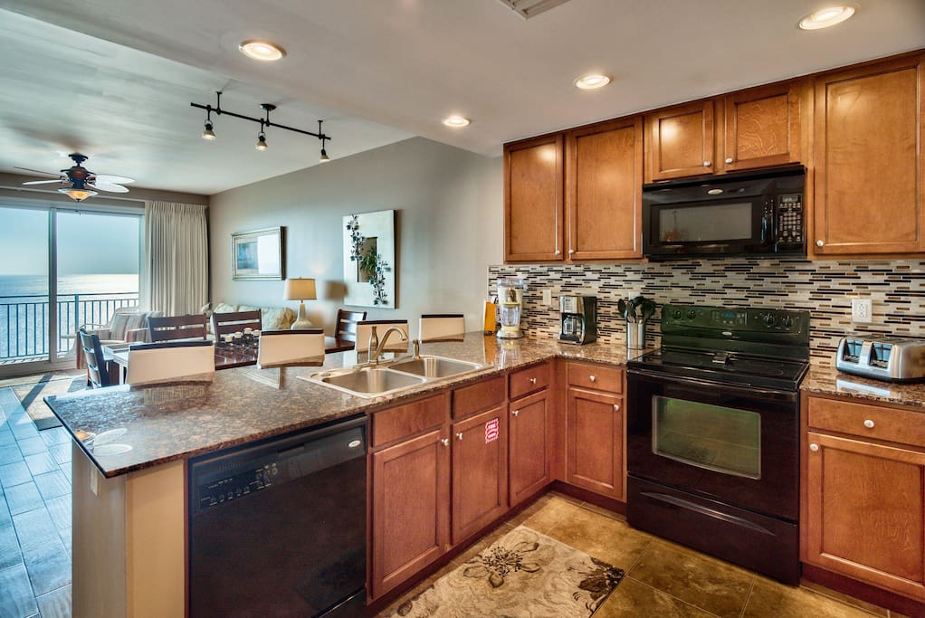 Fuel up for your day of exploring PCB as you make a filling breakfast in the fully equipped kitchen.