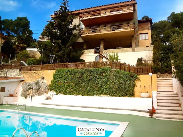 Catalunya Casas: Heavenly villa in Sant Feliu with a private pool only 25km to Barcelona!