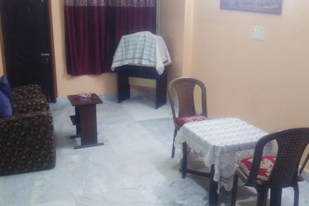 Comfortable home stay in a quiet neighborhood 2