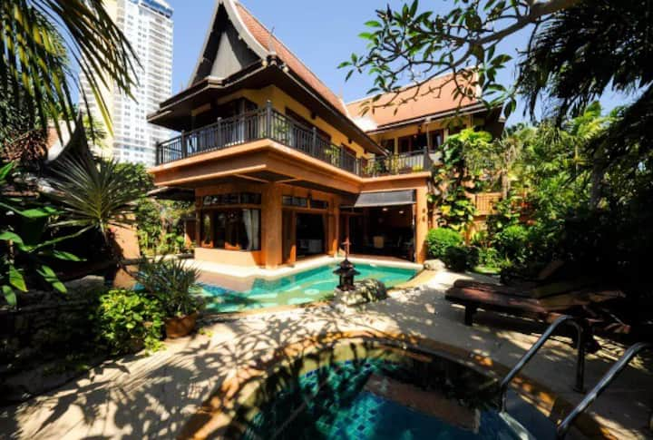 4BR LUX PRIVATE POOL VILLA WITH JACUZZI PATTAYA