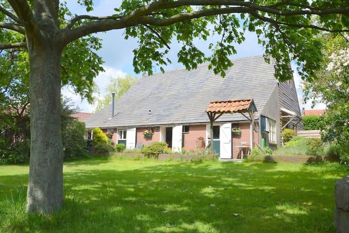 Cozy Holiday Home in Bergen op Zoom with Garden