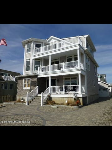 Ocean View 4 Story Home - Seaside Park - Dom