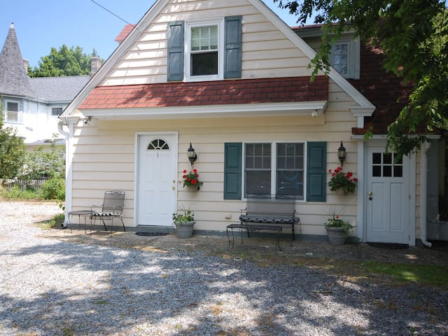 Carriage House at Buttonwood - West Cape May - Huis