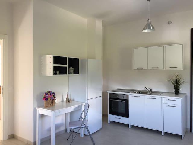 Nuovo bilocale a 500mt dal mare - Massa - Apartment