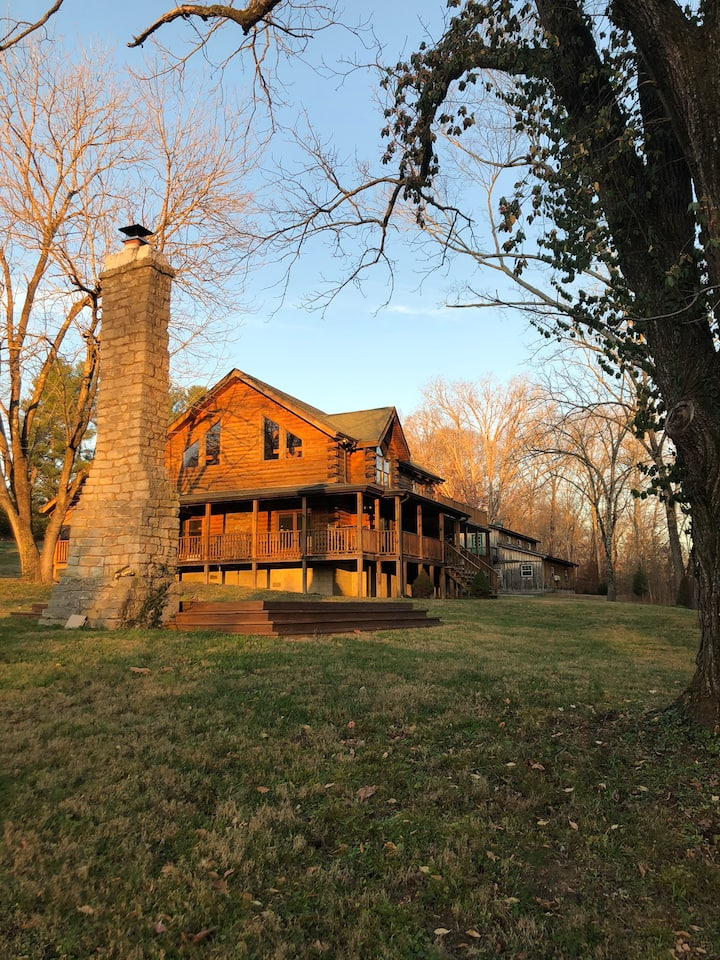 Creekside Cabin- 45 Minutes to Downtown Nashville