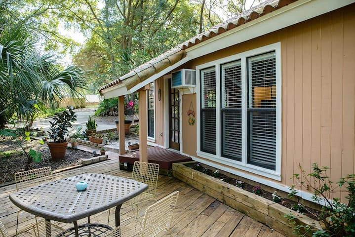 Cozy Cottage in the heart of Orlando's attractions