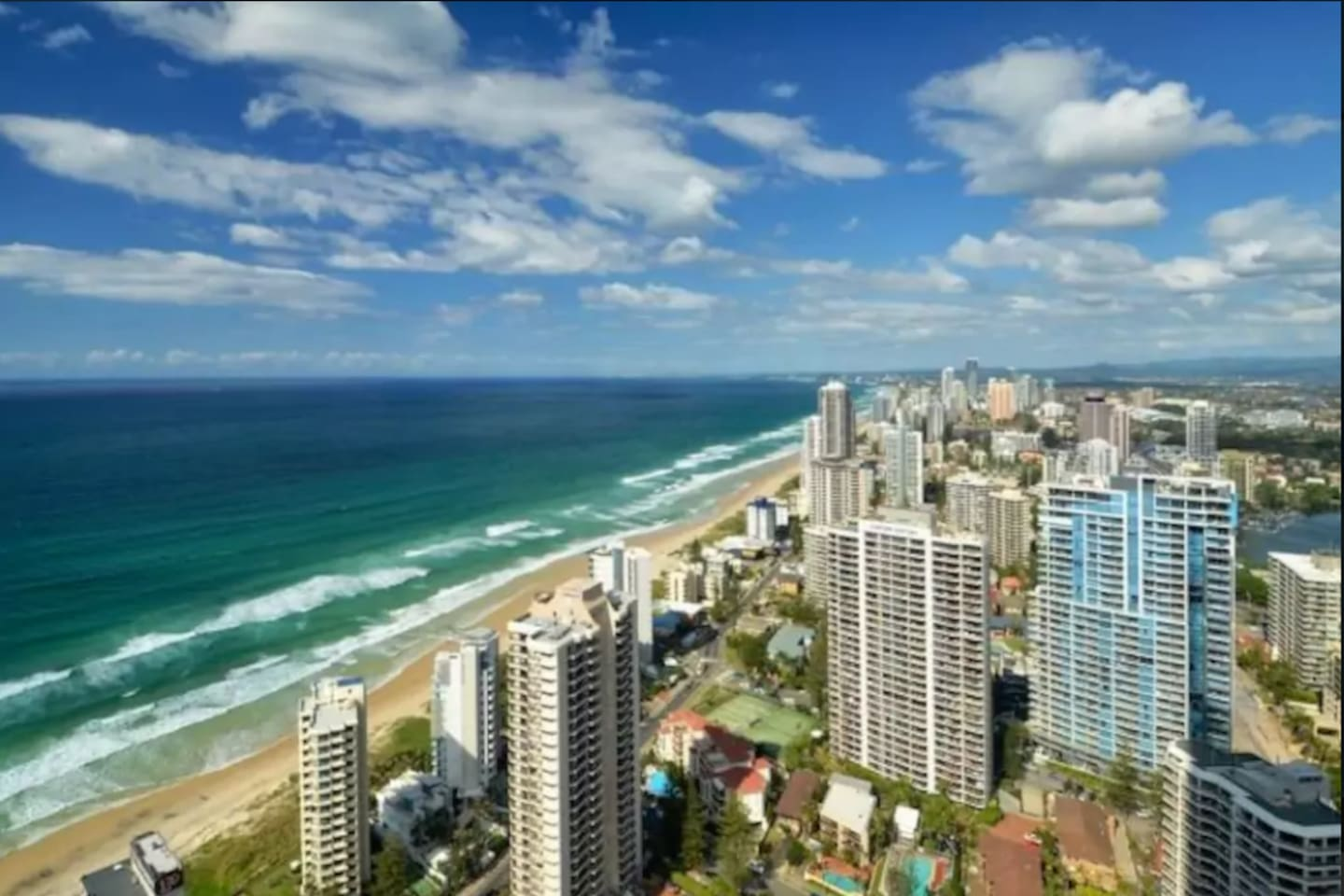 Suffocating Seascape on Q1 Surfers Paradise