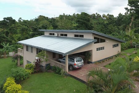 Natural, Peaceful Home - Suva, Fiji Islands - Bed & Breakfast