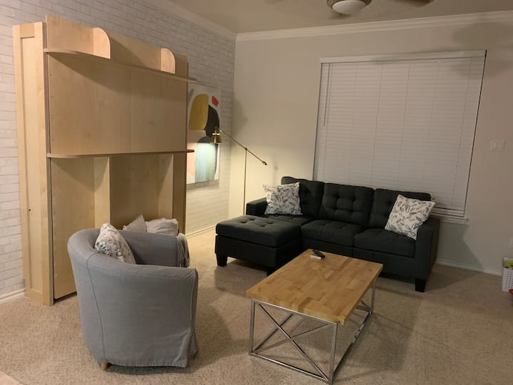 Crossing House: A Cozy Retreat for R & R!