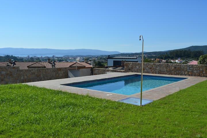 Relax con vistas al mar, jardín y piscina