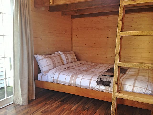 Cabin Loft /AKL airport, Perfect for 1 person