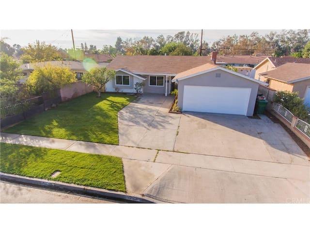 THE MIRACLE HOME - Santa Ana