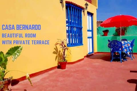 Casa Bernardo Ortiz 2, habitación con terraza privada