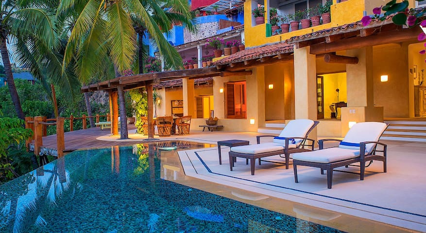 Casita Gabo - 2 Bedrooms & Pool, Operated by PLV