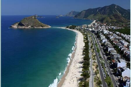 Suíte no Recreio perto da Praia - Rio de Janeiro