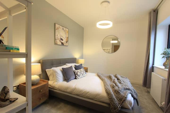 Cabot Mews Apartment 5