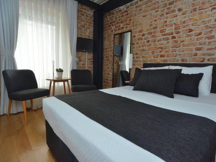 Lovable Entrance floor Suite