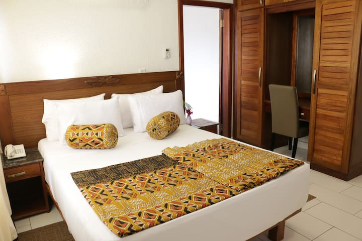 COCONUT GROVE SAKUMONO HOTEL