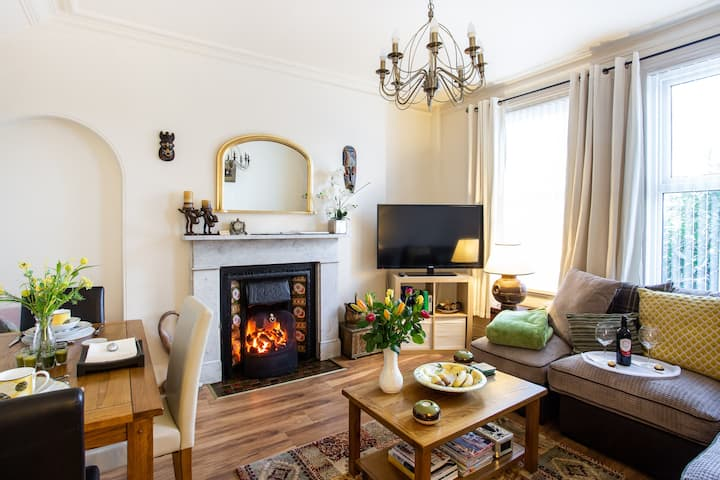 Mountroyal. Victorian apartment 4* self catering