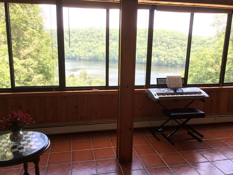 10'x30' Sunroom w/ Choice Water Views of Unspoiled Nature.