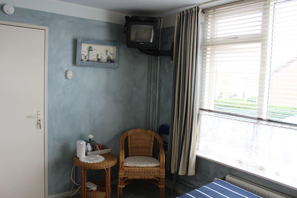 Gezellig gastvrij klein pension noordwijk 2201gg bed breakfasts te huur in noordwijk zuid for Kleine kamer met water m