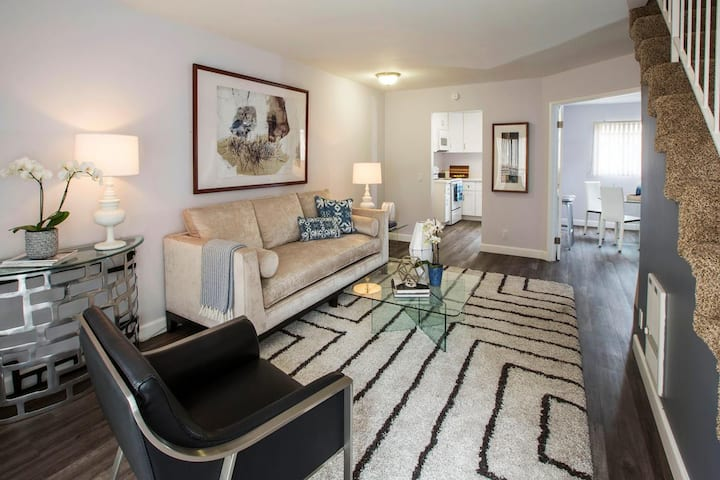 Stay as long as you want | 2BR in Huntington Beach
